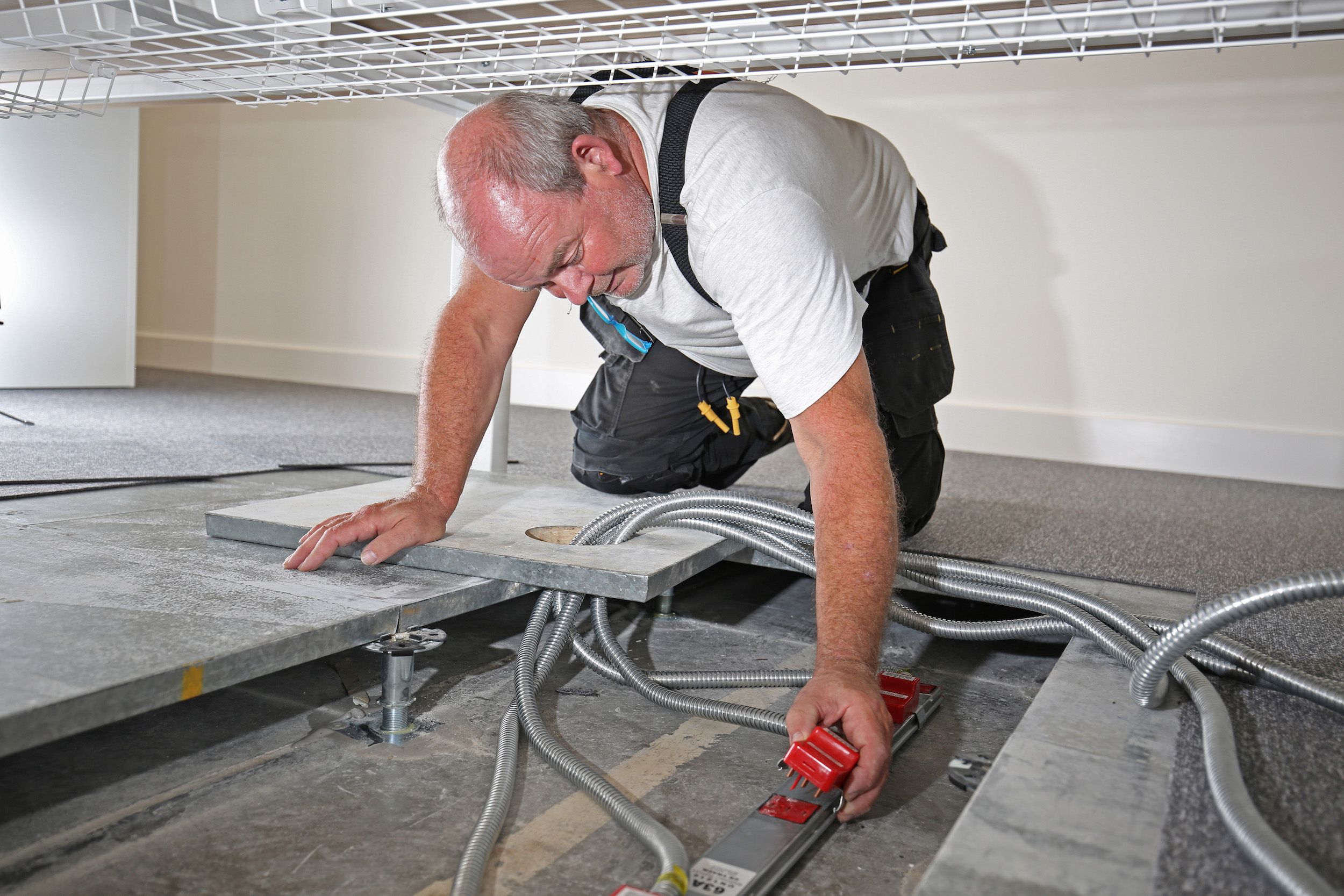 Cambridge Finance Office Gets Marshall-Tufflex Cable Management